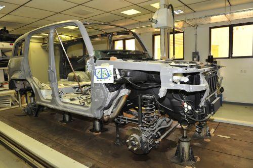 تصنيع النموذج الاول من السيارة السعودية الاولى غزال