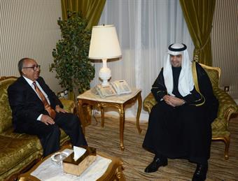Deputy Prime Minister, Minister of Finance and Acting Oil Minister Anas Al-Saleh meets Yemeni counterpart Munser Al-Quaiti