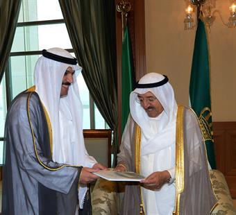 His Highness the Amir Sheikh Sabah Al-Ahmad Al-Jaber Al-Sabah received Governor of the Central Bank of Kuwait (CBK) Dr. Mohammad Yousef Al-Hashel