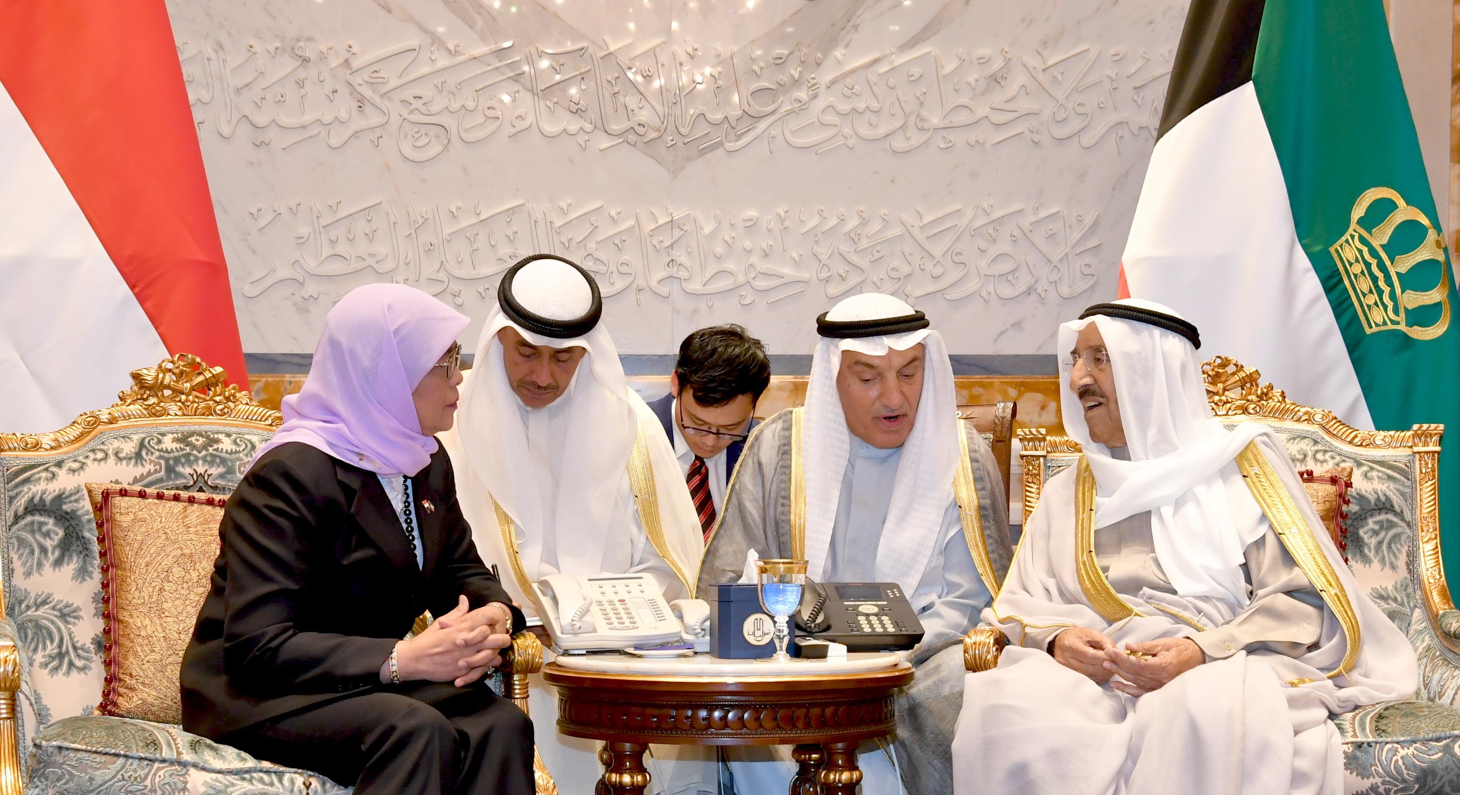 كونا : سمو أمير البلاد يعقد مباحثات رسمية مع رئيسة