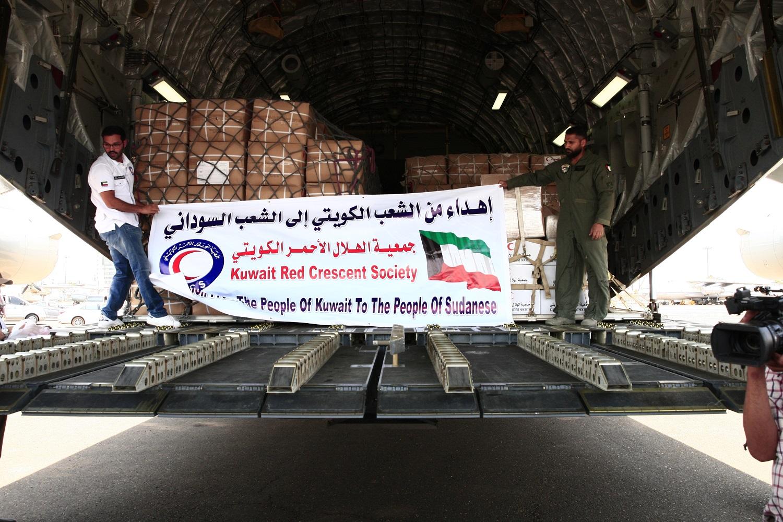 كونا : وصول أول طائرة مساعدات من الجسر الجوي الكويتي إلى